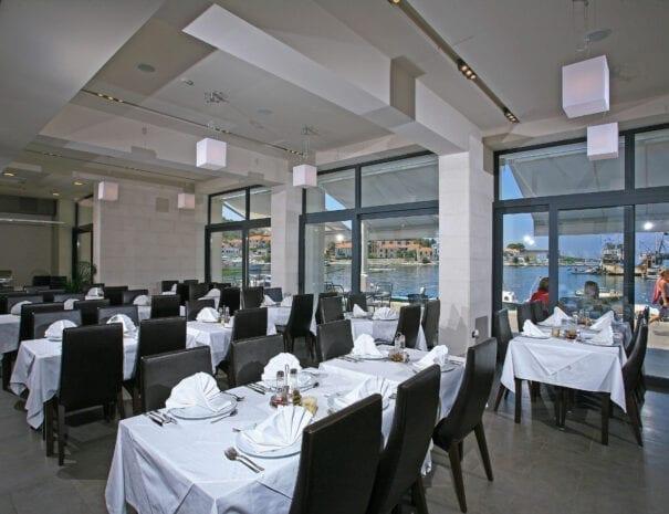 Hotel Vrilo breakfast lounge